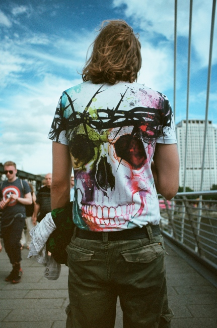 Art and Documentary Photography - Loading Skull_on_Bridge.jpg