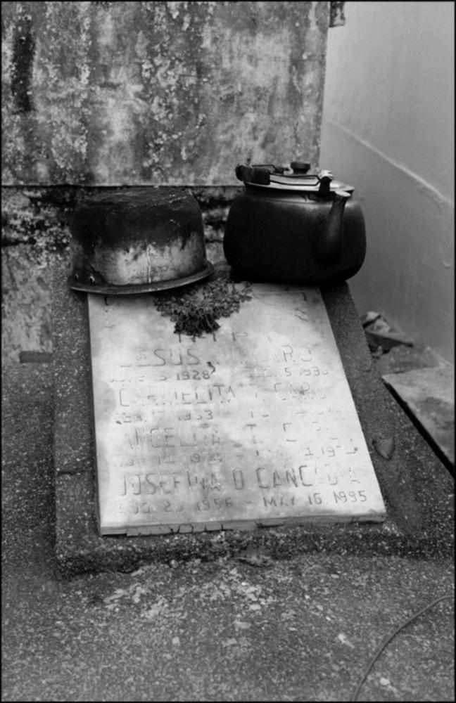 Tea Kettle on Tomb, North Cemetery, Manila, Philippines, November 2005
