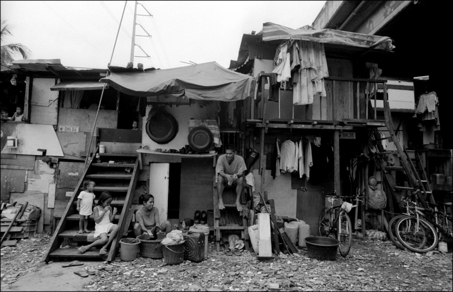 A Family and Their Home, San Andreas Bridge, Manila, Philippines, November 2005