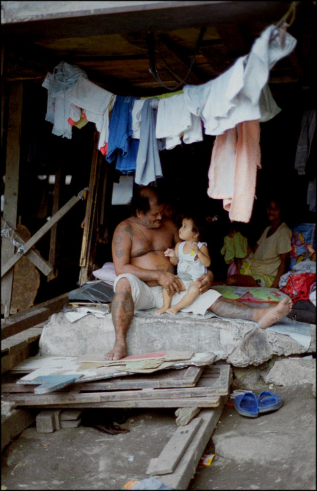 Father and Child, Pandacan Bridge, Manila, Philippines, November 2005