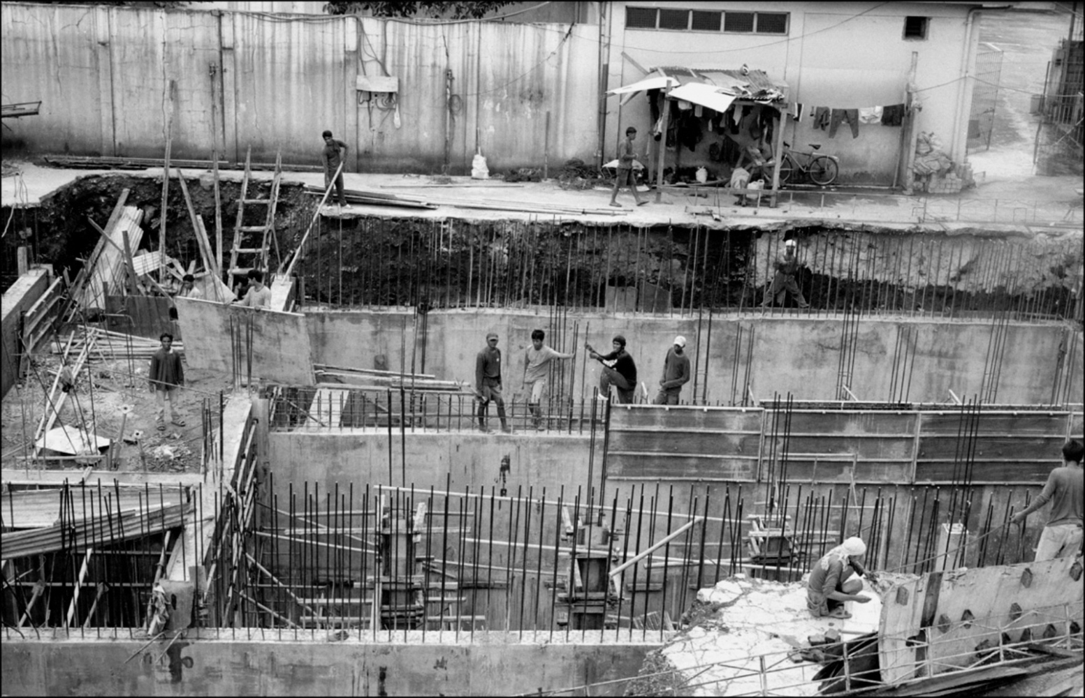 Construction Site, North Cemetery, Manila, Philippines, November 2005