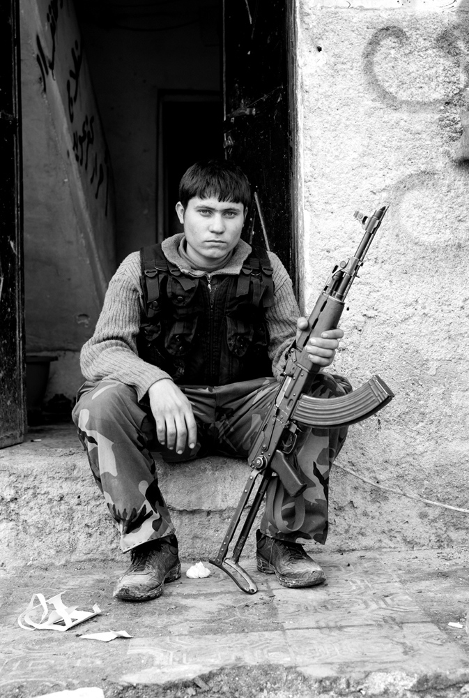 Art and Documentary Photography - Loading Txueka-Txomin_Syrian_conflictB_W00.jpg
