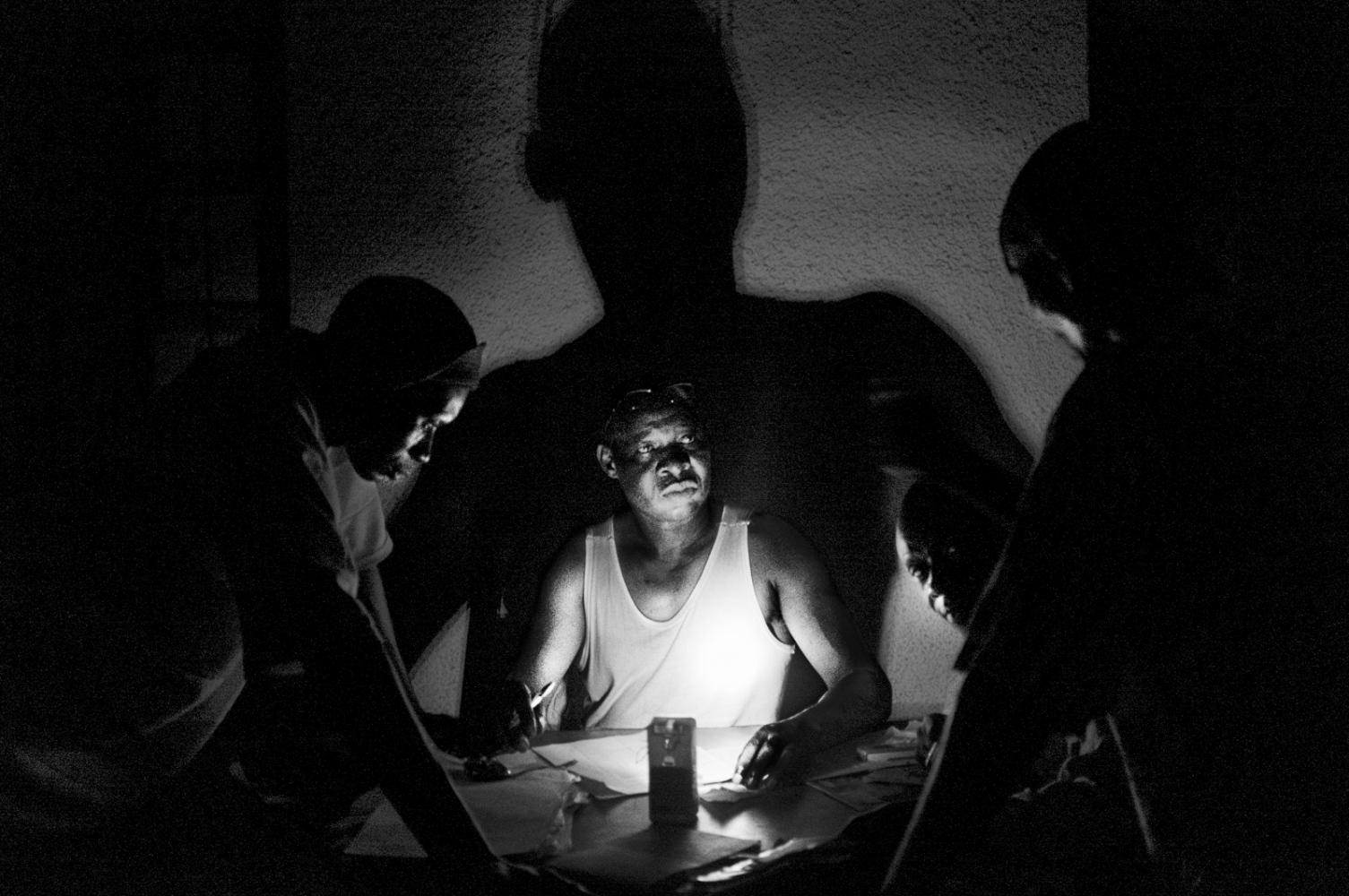 Art and Documentary Photography - Loading pongo-uncanny-06.jpg