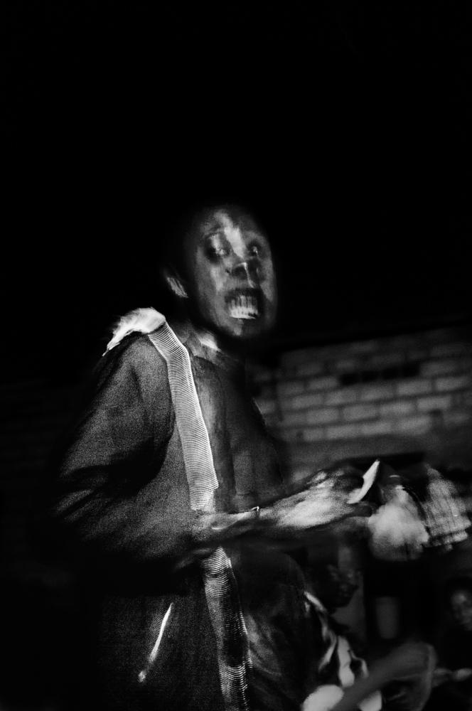 Art and Documentary Photography - Loading pongo-uncanny-12.jpg