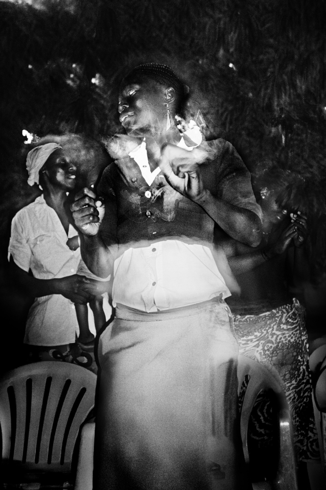 Art and Documentary Photography - Loading pongo-uncanny-27.jpg