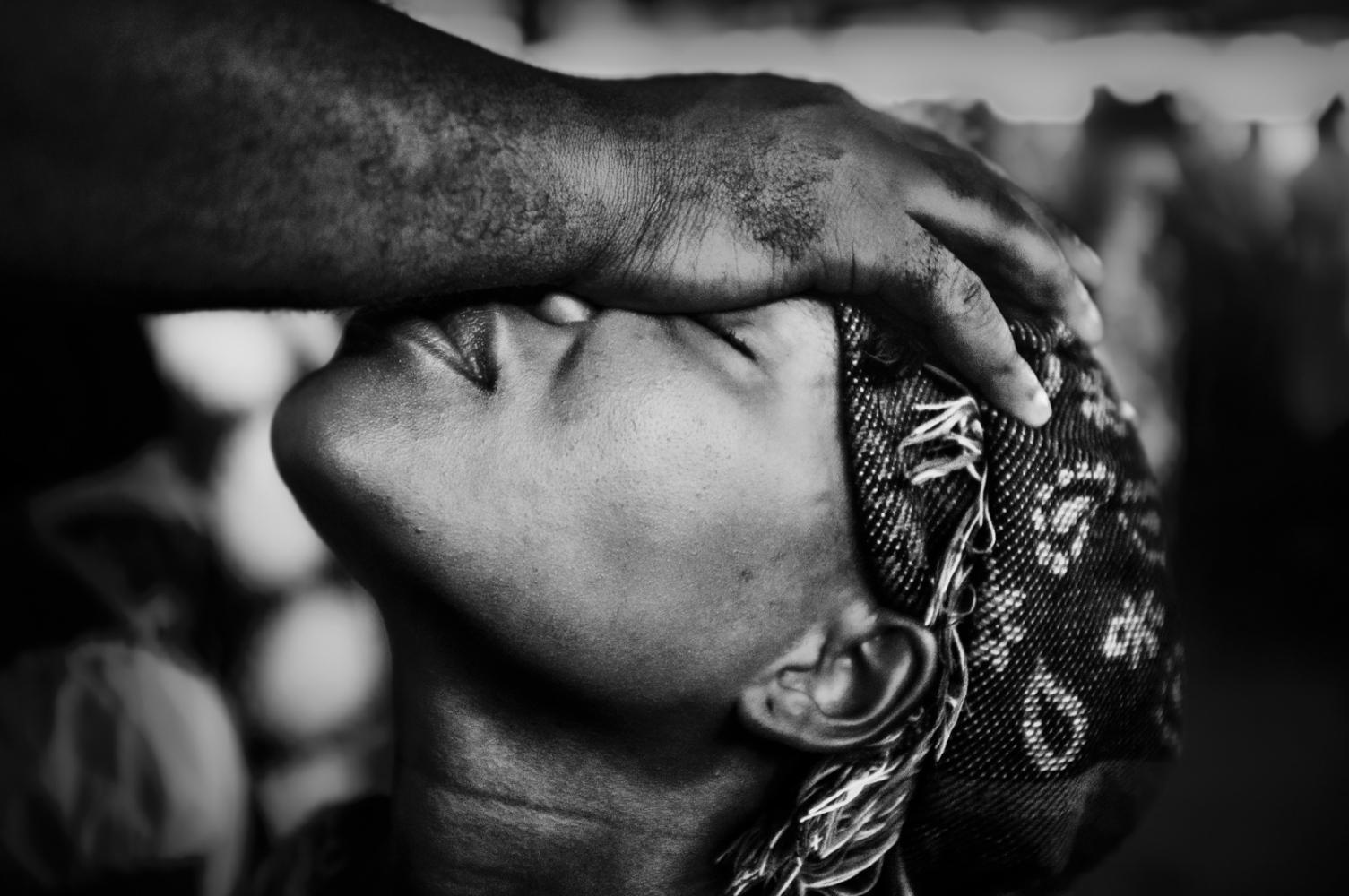 Art and Documentary Photography - Loading pongo-uncanny-28.jpg