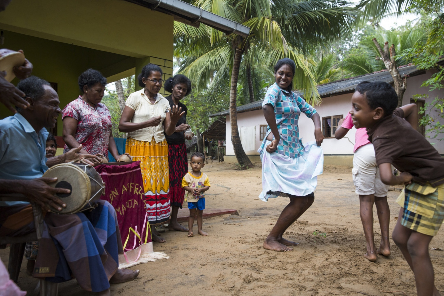 Neighbours performs a small music and dance practise in the village of Sirambadiya. Music and dance of this communtiy still follows African tradition and their songs are still sung in Sri Lankan Creole language.