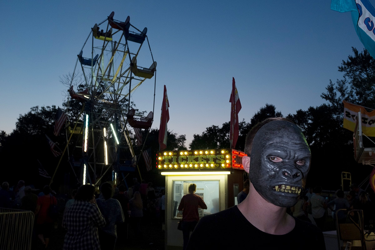 Art and Documentary Photography - Loading 01mask-guy.jpg