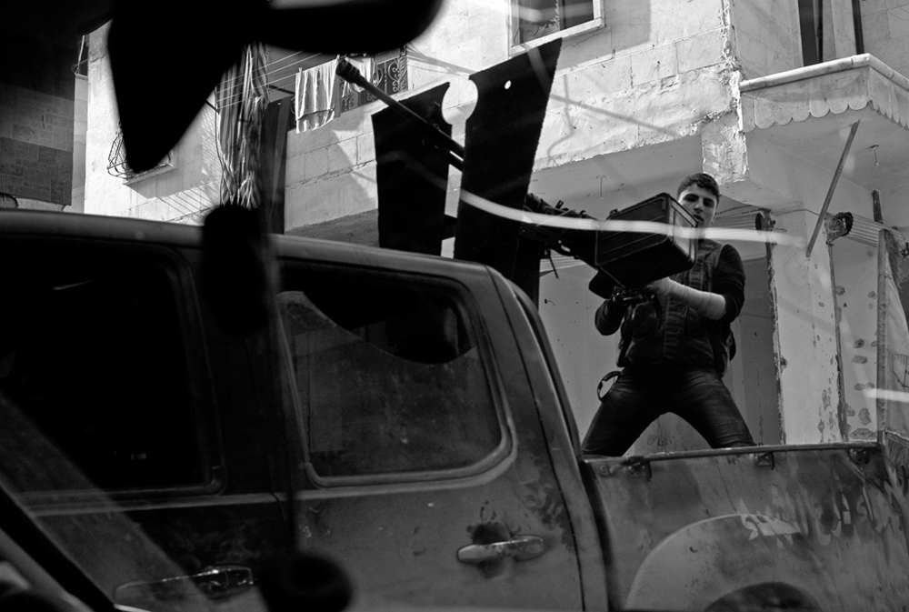 Art and Documentary Photography - Loading Txueka-Txomin_Syrian_conflictB_W02.jpg