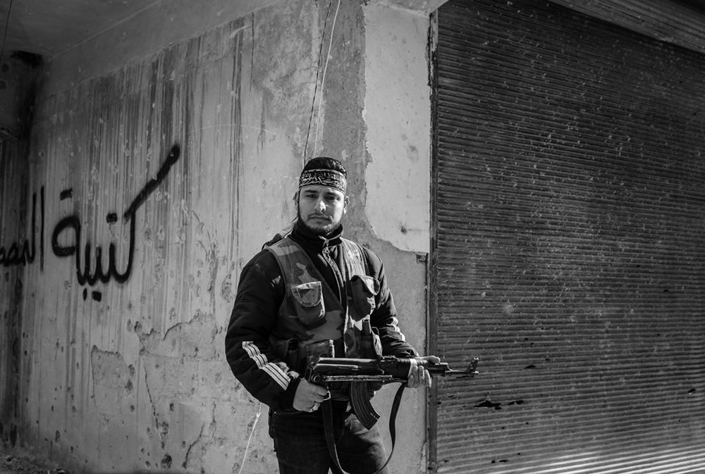 Art and Documentary Photography - Loading Txueka-Txomin_Syrian_conflictB_W04.jpg