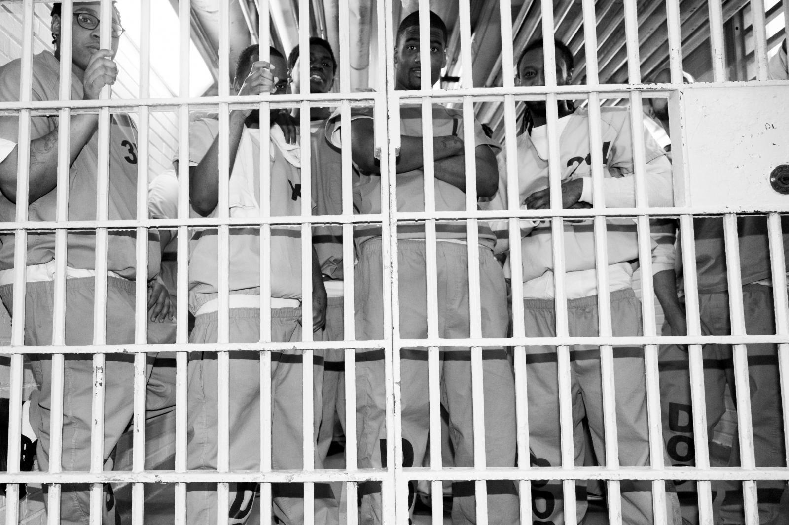 Art and Documentary Photography - Loading LiliHolzerGlier_Inmates.jpg