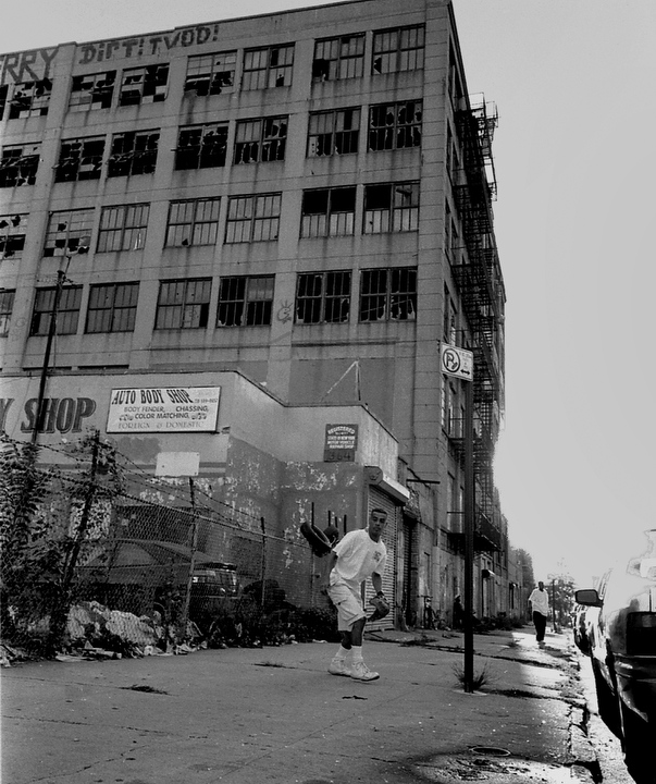 Art and Documentary Photography - Loading mc76.JPG