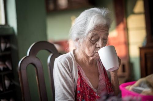 COFFEE WITH MAMÁ GÜICHA