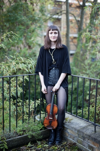 Johanna Bernard, musician. Press shot.