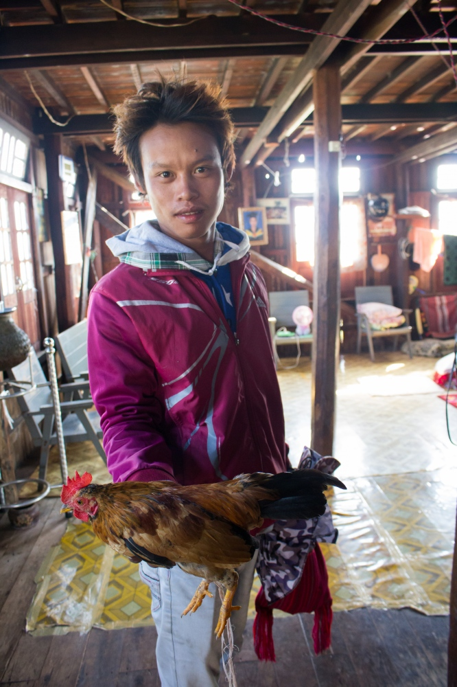 Art and Documentary Photography - Loading STischendorf_2017_Myanmar_A_chicken_for_my_Grandpa-2.jpg