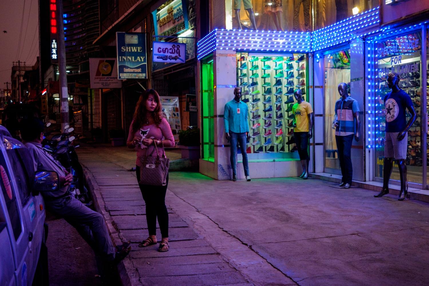 Art and Documentary Photography - Loading Myanmar-padlet-16.jpg