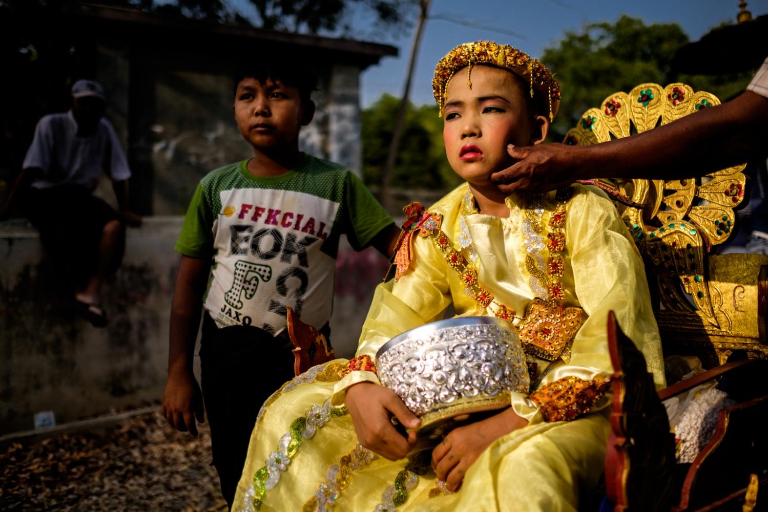 Art and Documentary Photography - Loading Myanmar-padlet-47.jpg