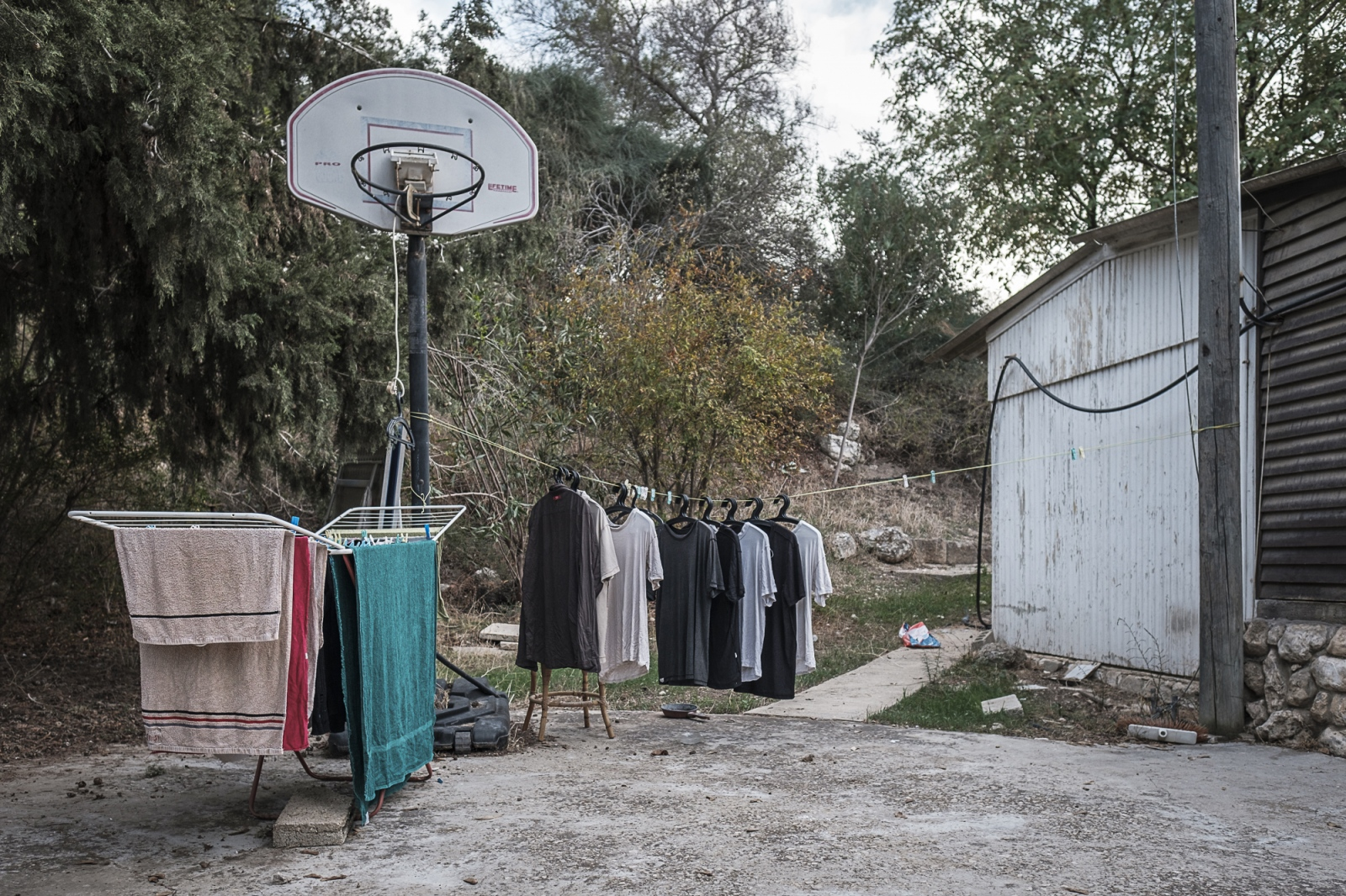 Wahat al-Salam – Neve Shalom (Oasis of Peace), Lod, Israel Laundry in a Yard