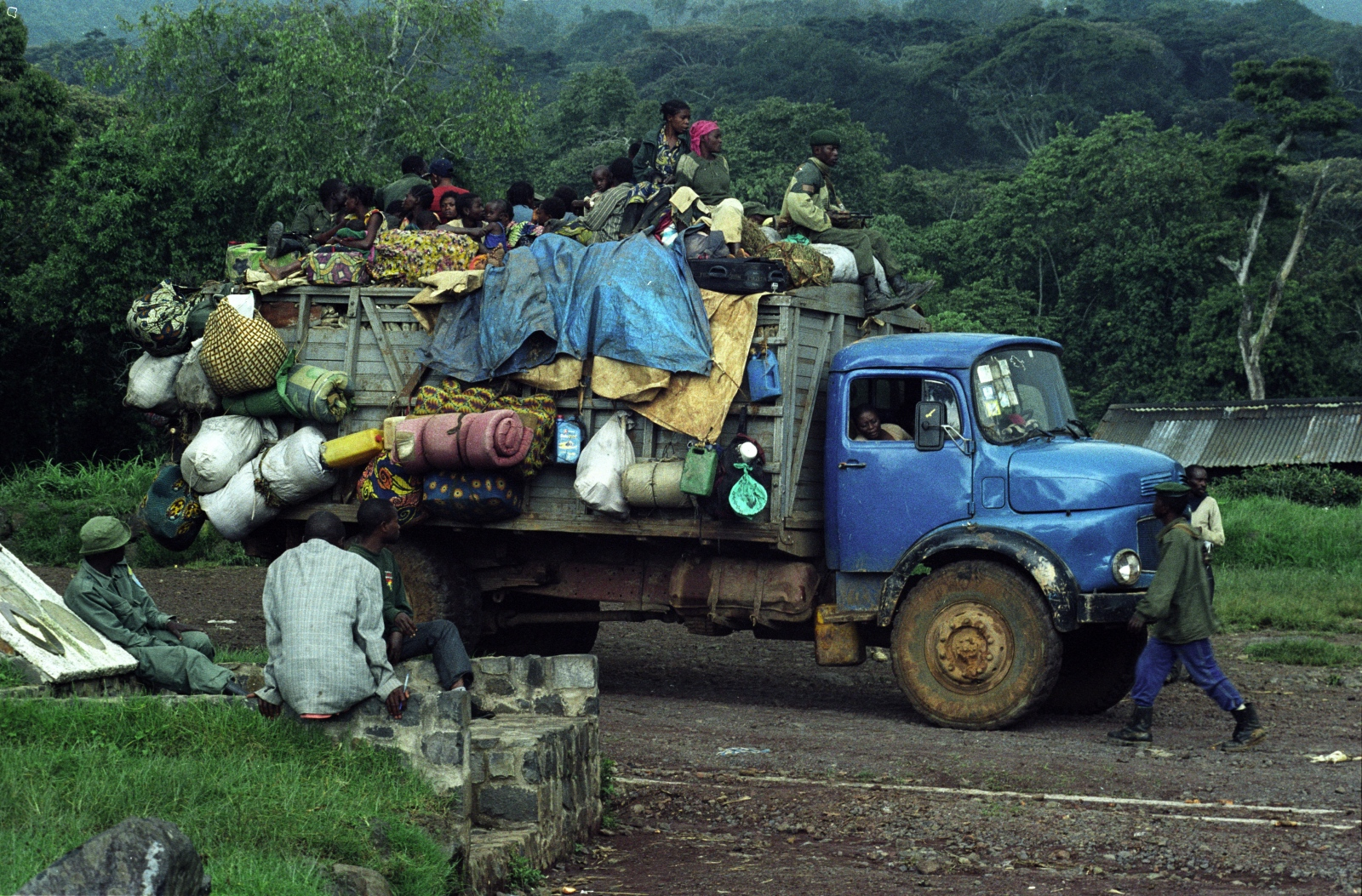 Art and Documentary Photography - Loading full_frame_truckload_1_copy_copy.jpg