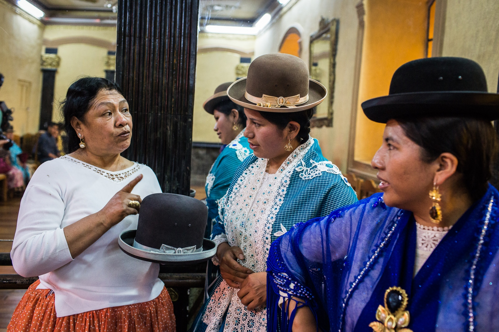 Art and Documentary Photography - Loading Cholitas_Rise-23.jpg