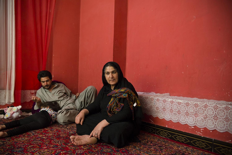 Art and Documentary Photography - Loading Hayeri_Kiana_SingleMothers_022.JPG