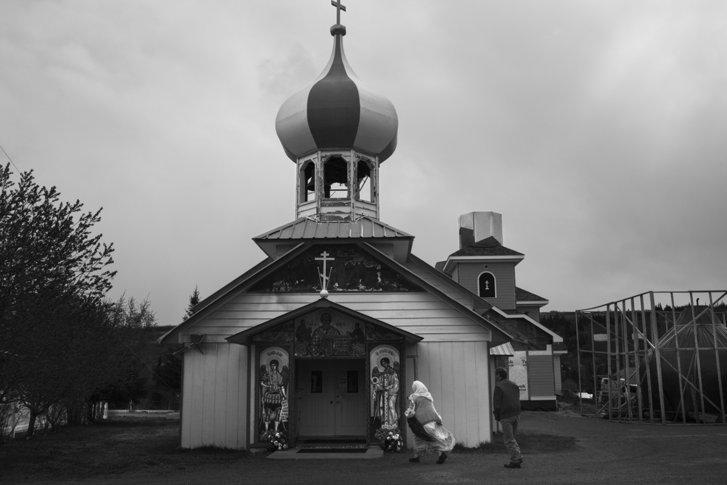 Saint Saint Nicholas Church, patron of Nikolaevsk and all fishermen, was built by Father Kondraty Fefelov in 1984. He was the first priest of Old Believers ordained in Rumania in the whole state of Alaska.