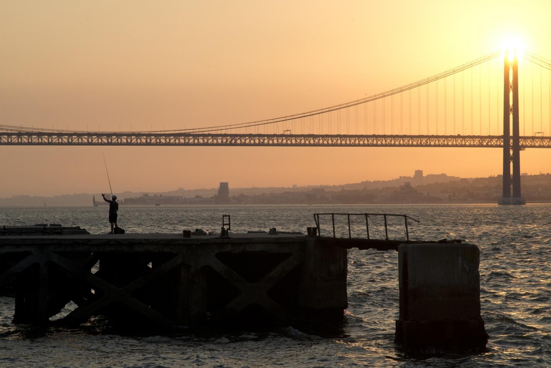 Art and Documentary Photography - Loading bridge_visura.jpg