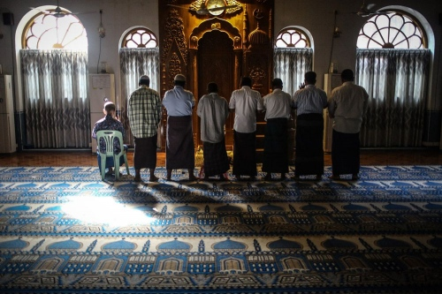 All religious minorities have their own places in Yangon.Sunni Muslims are in praying in the mosque. © Fatemeh Behboudi