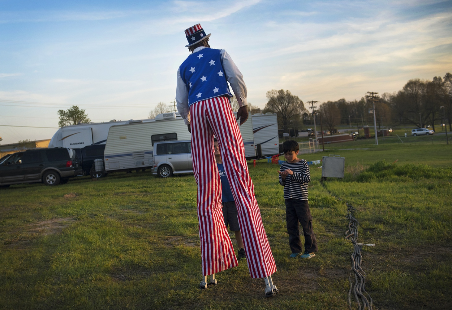 Art and Documentary Photography - Loading stilts2.jpg