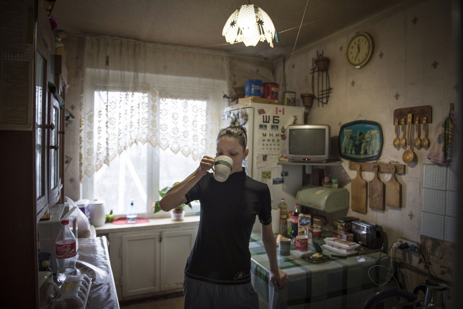 Art and Documentary Photography - Loading Donbass_stories_-_Roma_and_Oxsana_19.jpg