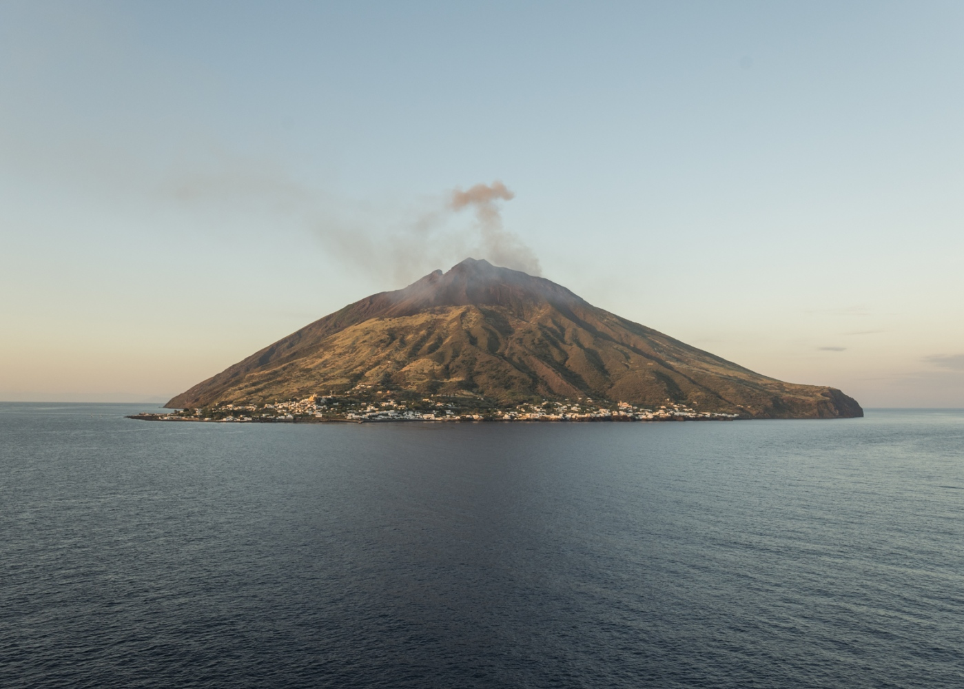 Art and Documentary Photography - Loading stromboli_NewYorker_insta_01.jpg