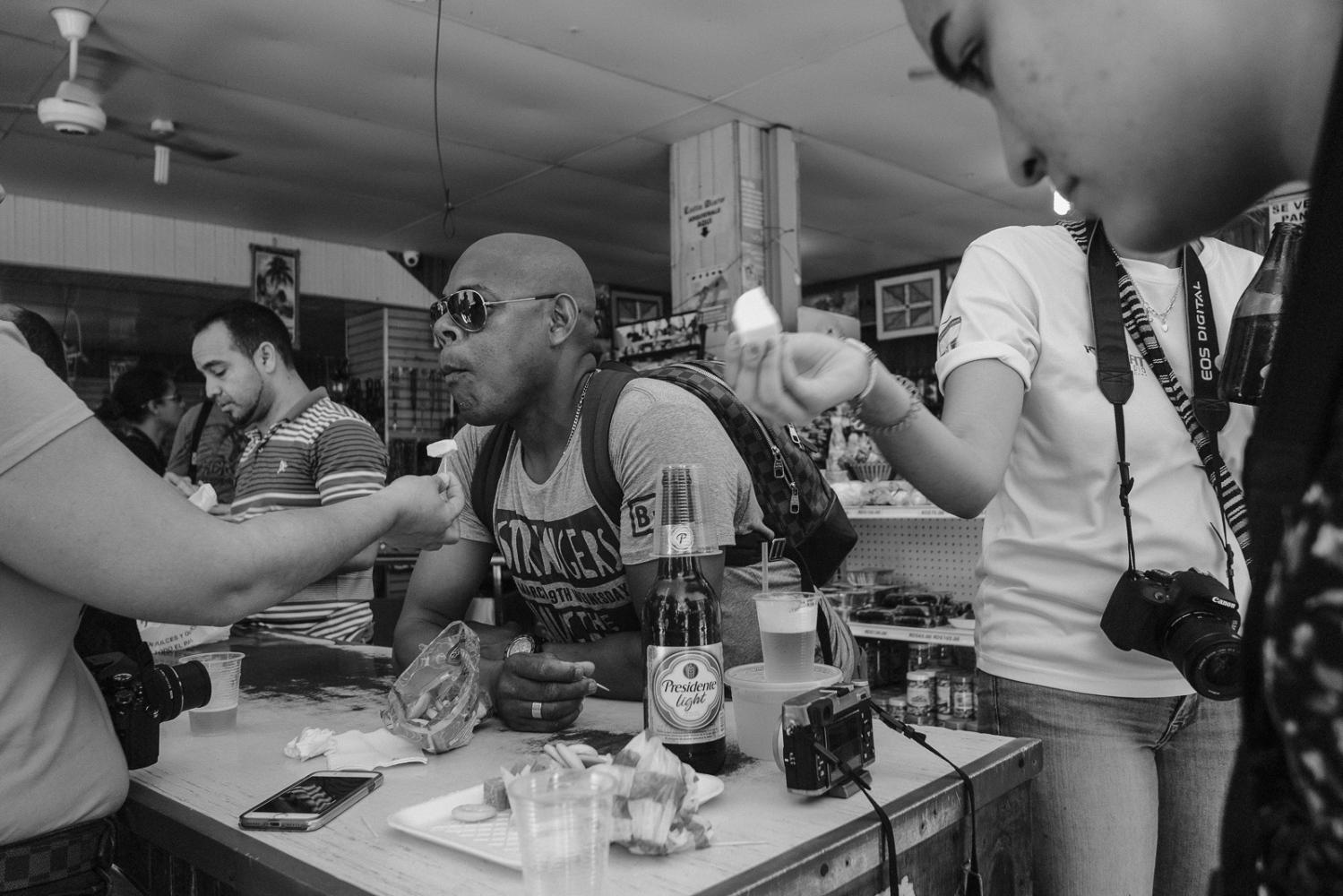 Art and Documentary Photography - Loading Mercado__Peque__o_Haiti-5.jpg