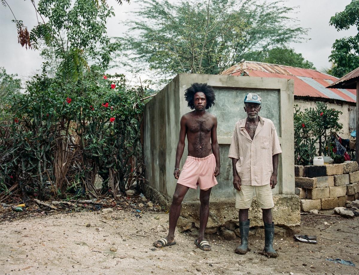 Art and Documentary Photography - Loading Letombeau-2.jpg