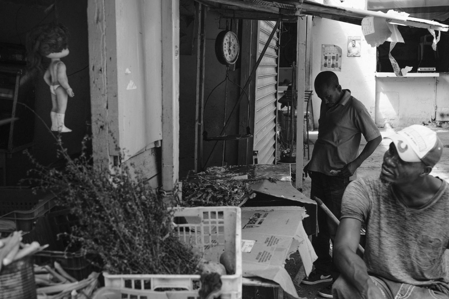Art and Documentary Photography - Loading Mercado__Peque__o_Haiti-12.jpg