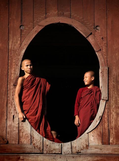 Photography image - Young monks (Inle Lake, Myanmar)