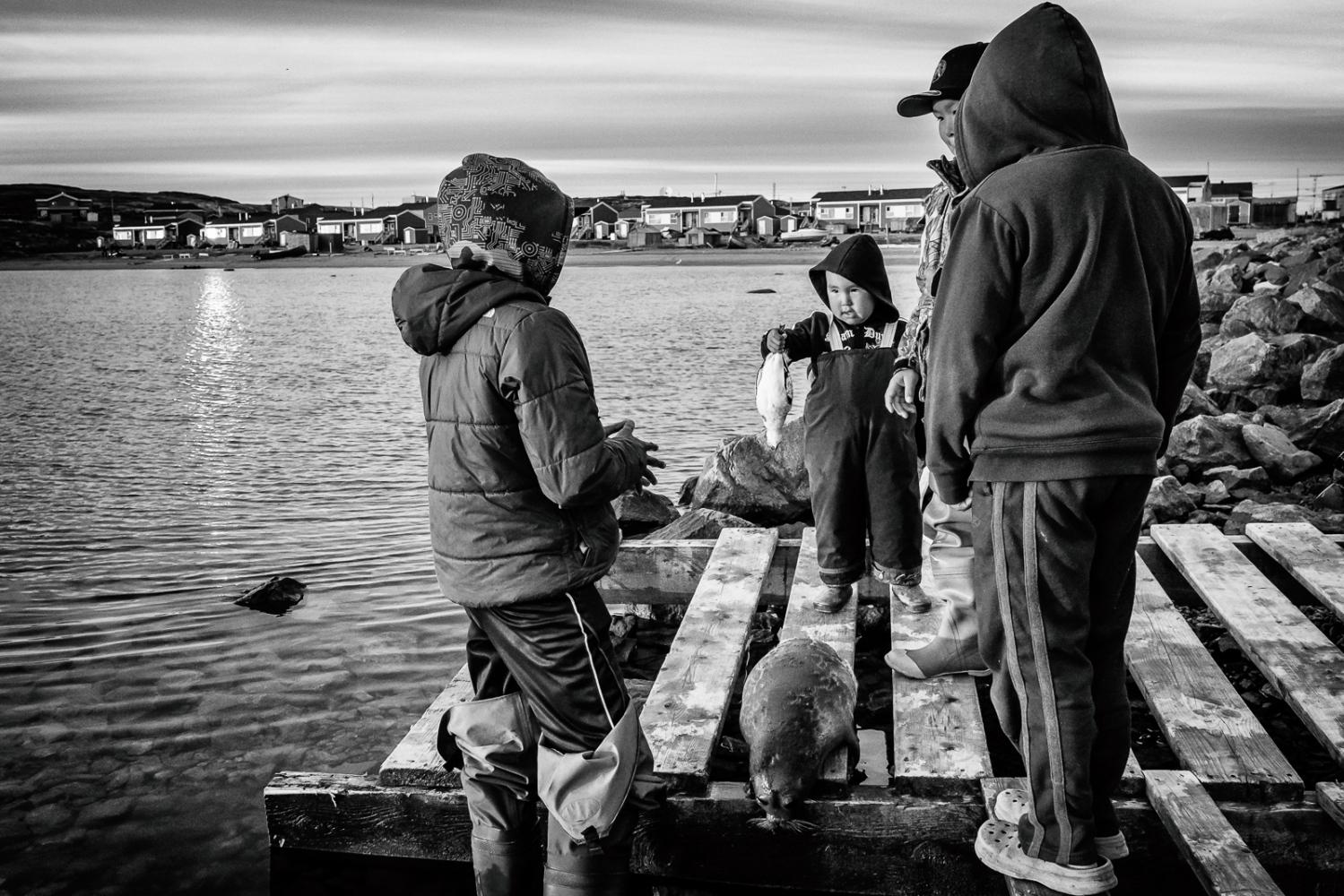 Art and Documentary Photography - Loading Inukjuak-4.jpg
