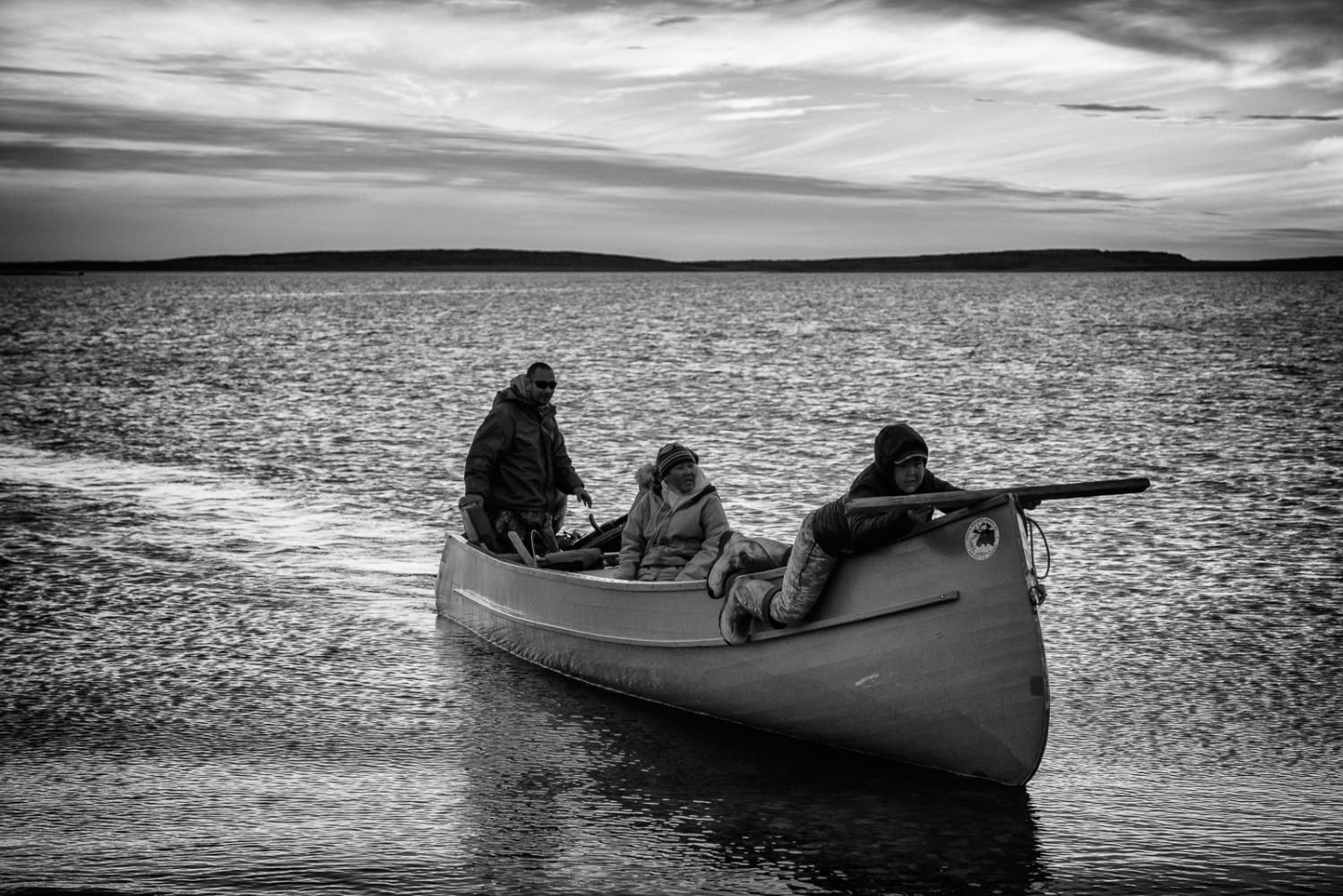 Art and Documentary Photography - Loading Inukjuak-5.jpg