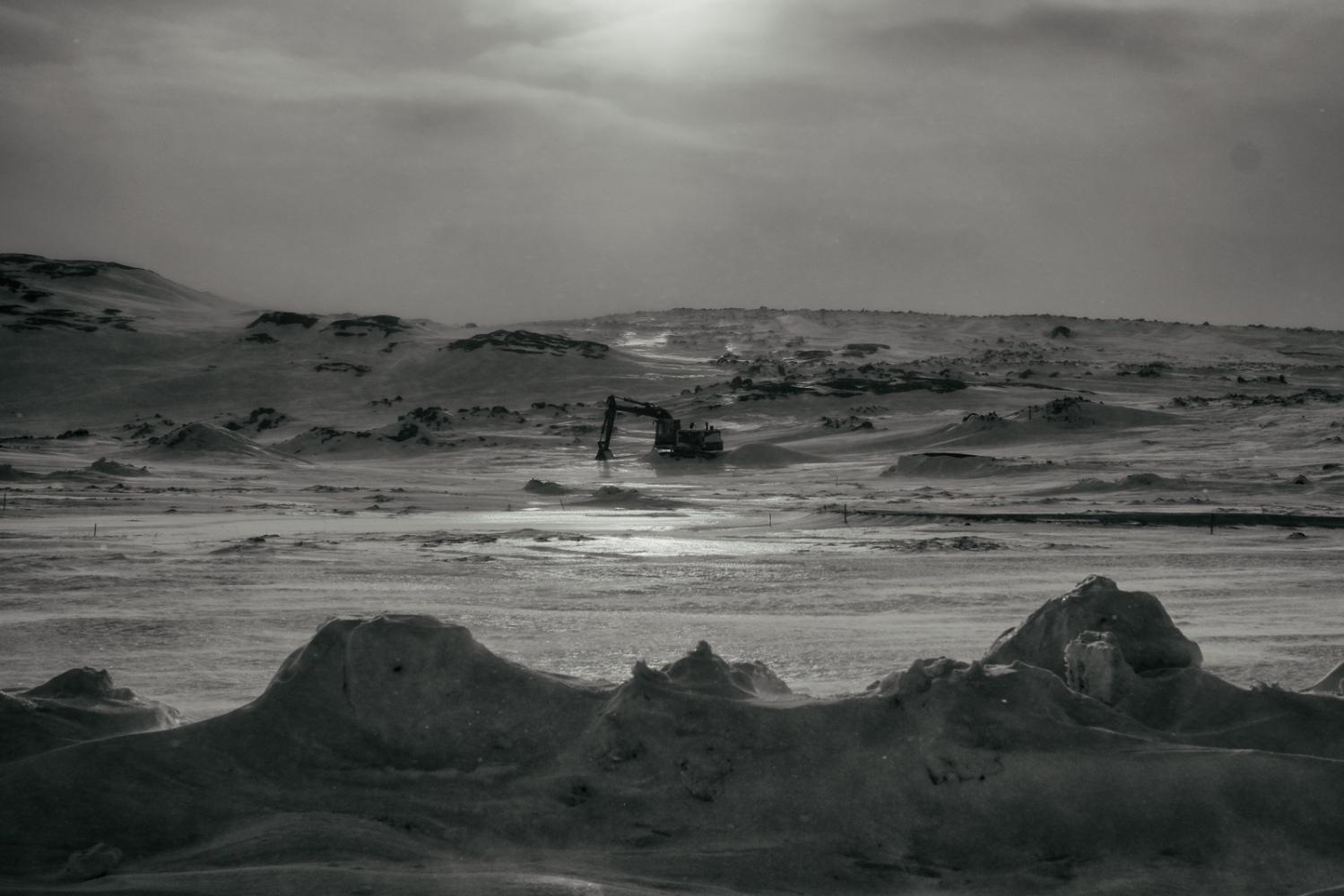 Art and Documentary Photography - Loading Inukjuak-17.jpg