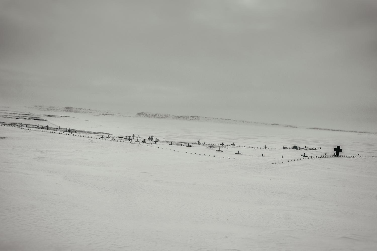 Art and Documentary Photography - Loading Inukjuak-22.jpg