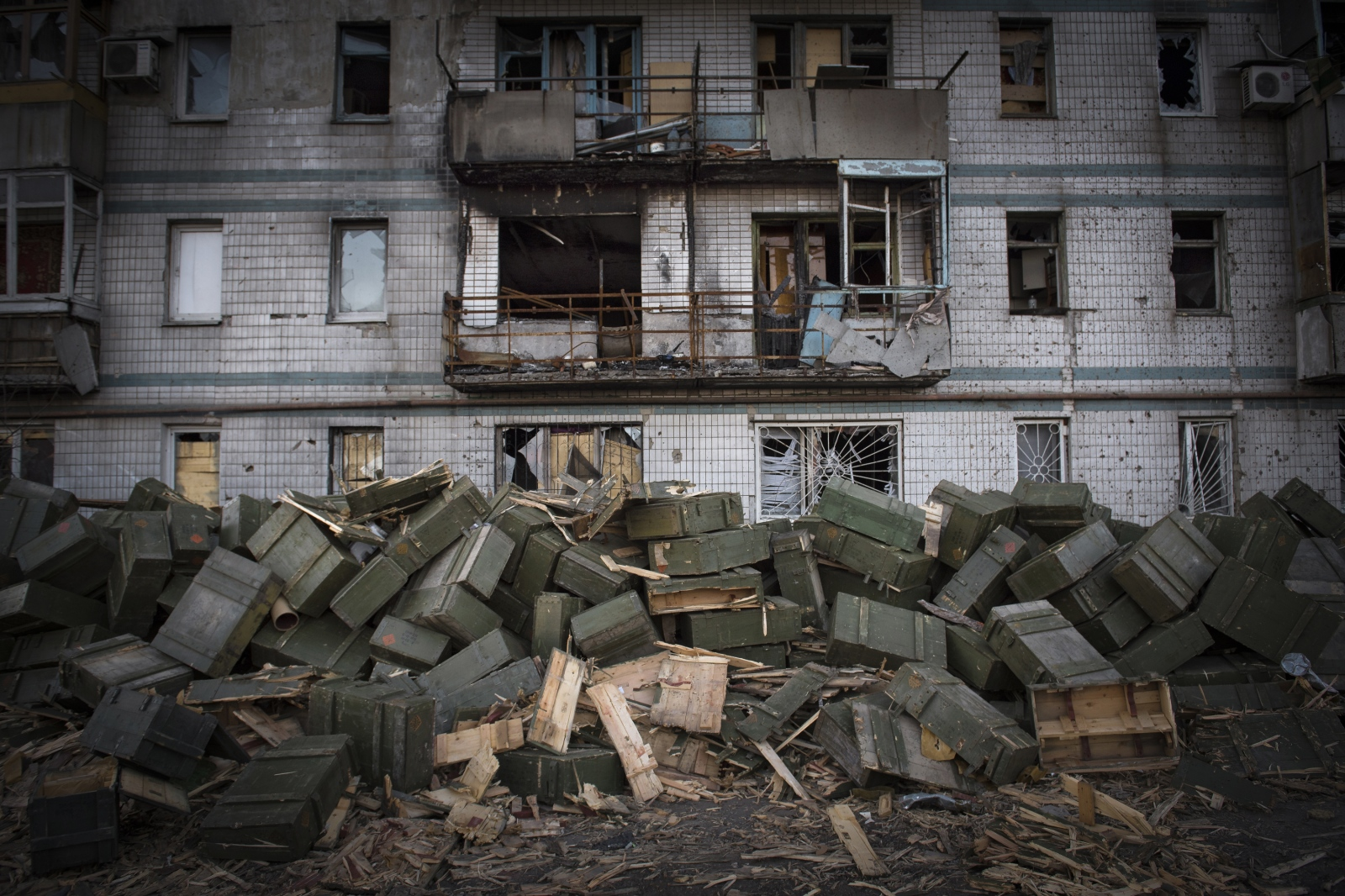 Art and Documentary Photography - Loading Donbass_stories_-_Spartaco_and_Liza_14.jpg