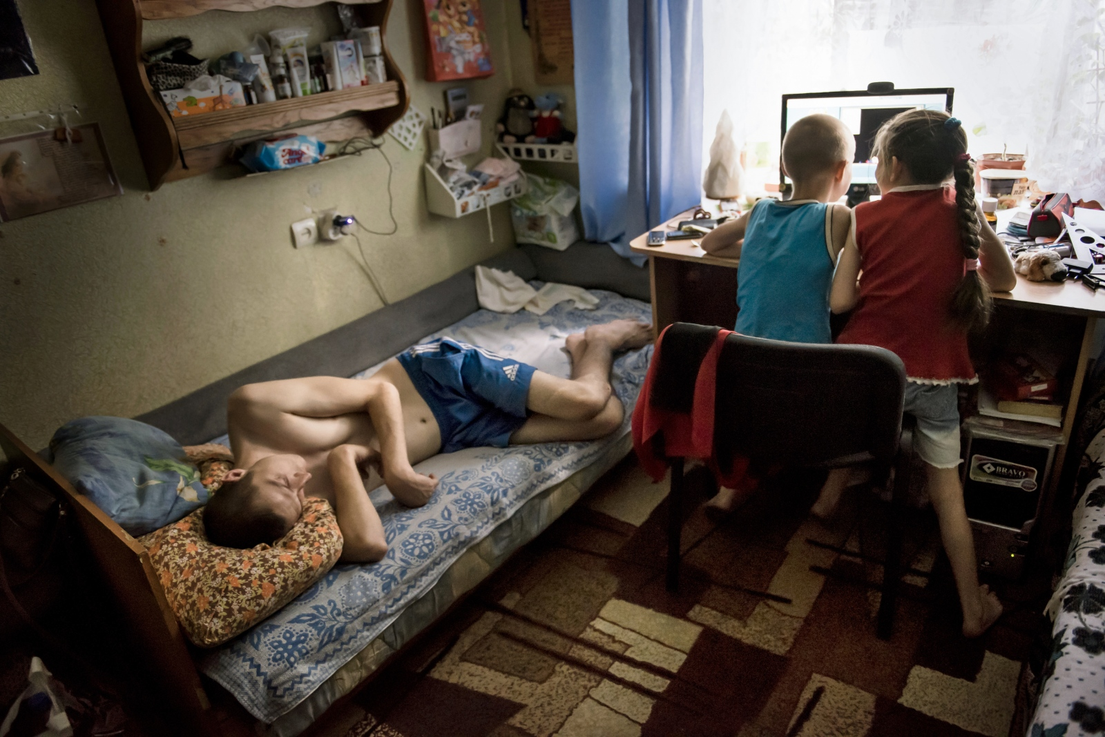 Art and Documentary Photography - Loading Donbass_stories_-_Little_Liza_20.jpg