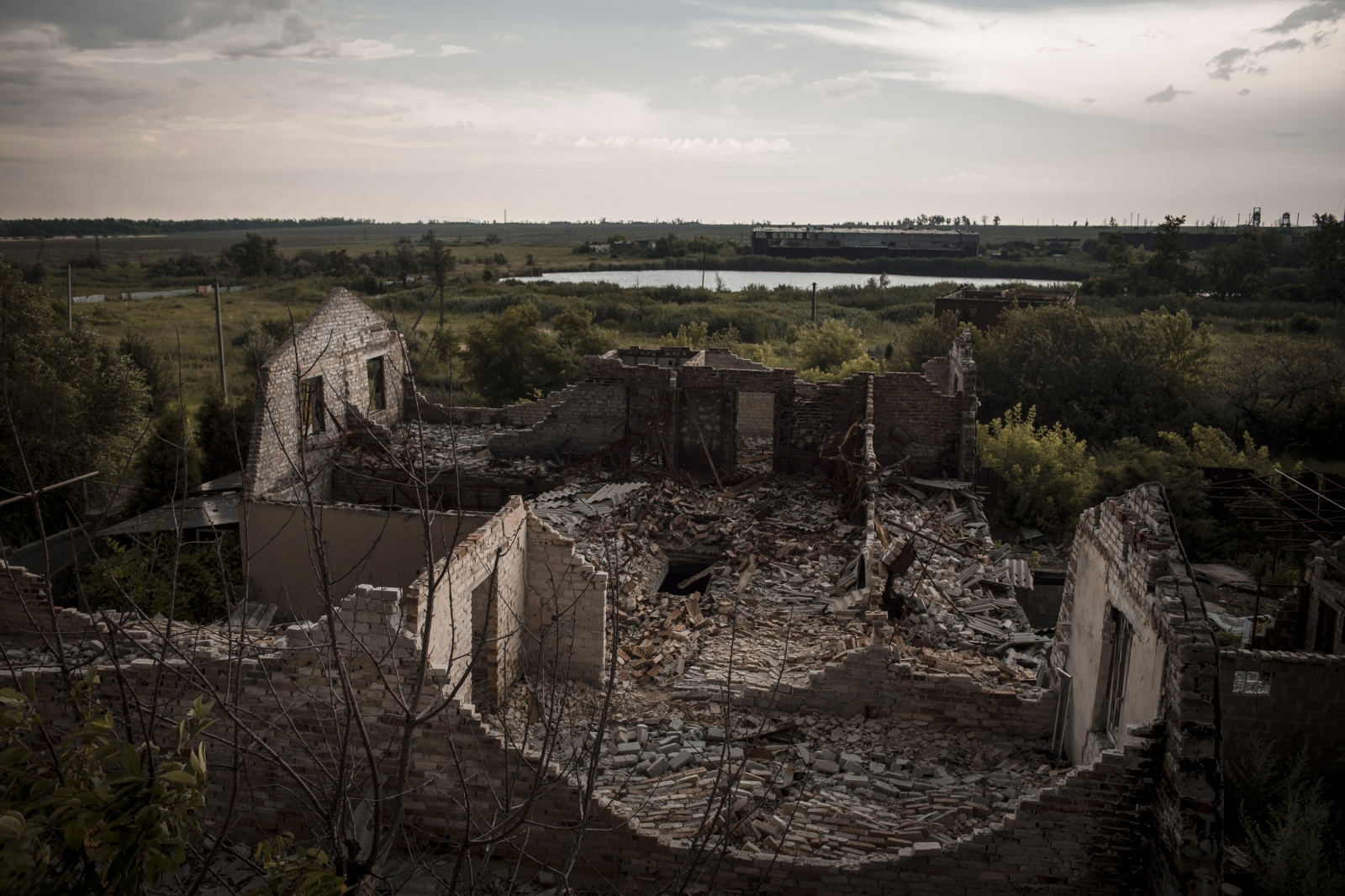 Art and Documentary Photography - Loading Donbass_stories_-_Max_01.jpg