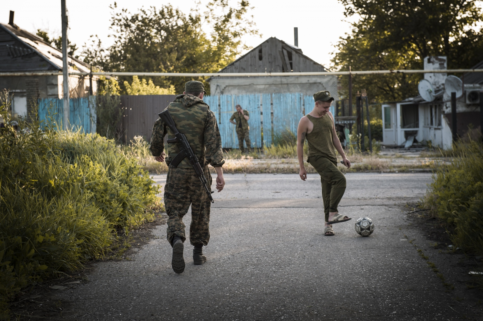 Art and Documentary Photography - Loading Donbass_stories_-_Max_27.jpg
