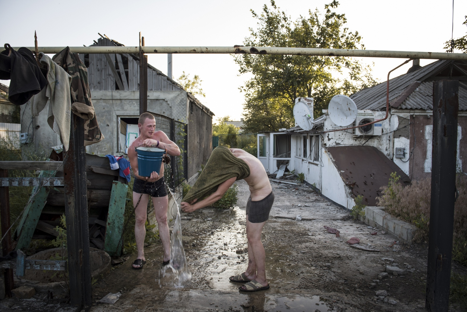 Art and Documentary Photography - Loading Donbass_stories_-_Max_28.jpg