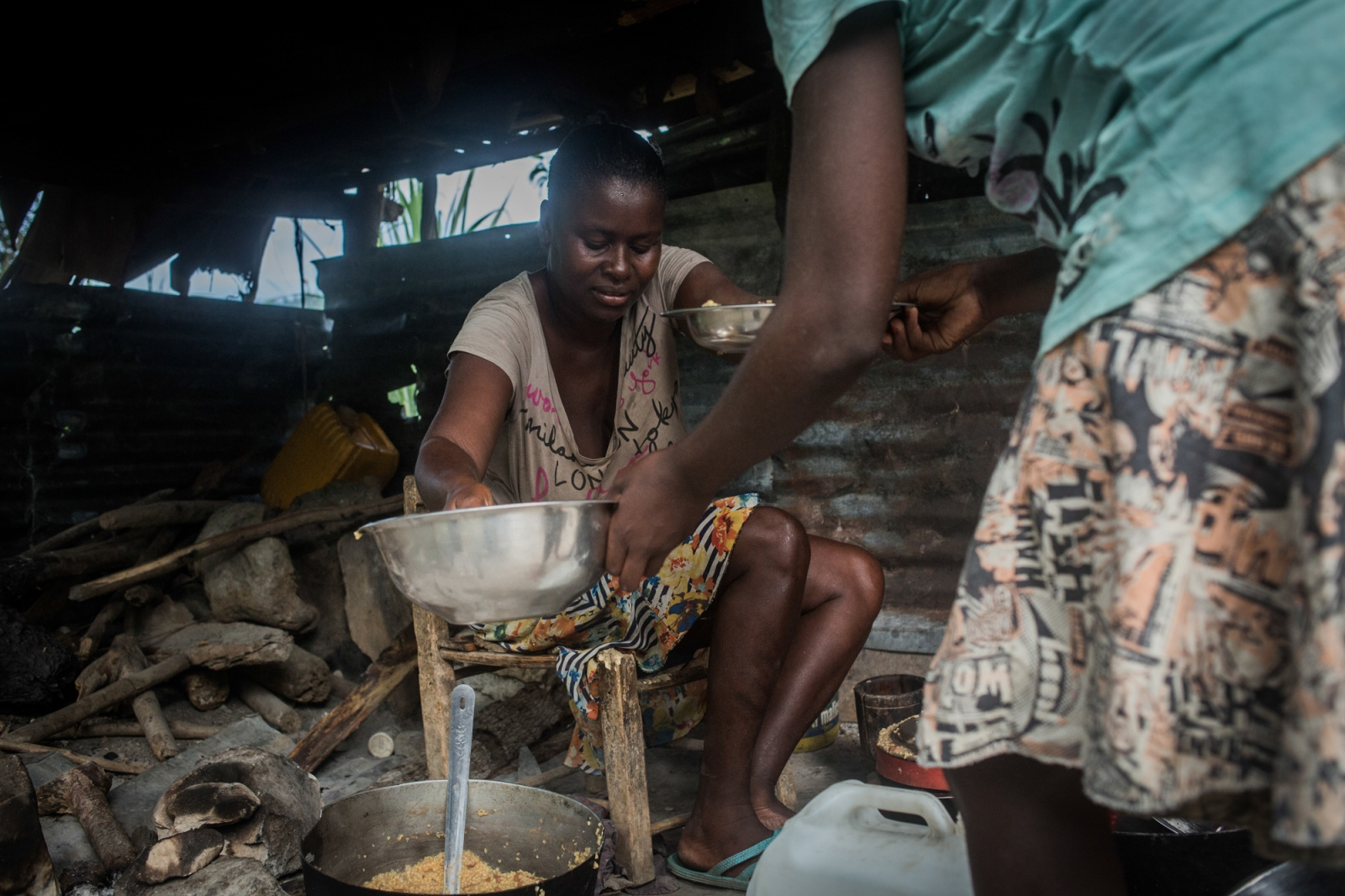 Art and Documentary Photography - Loading UNDP-HT-Disaster-recovery-39.JPG