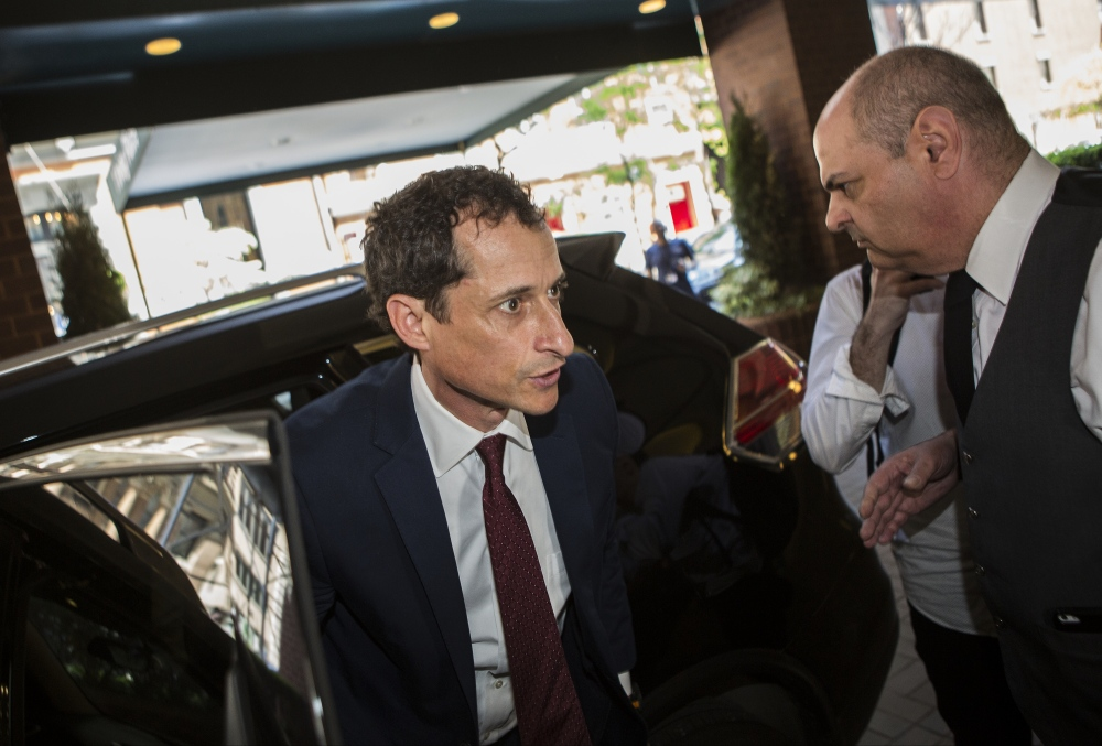 Photography image -  Former Congressman and Mayoral candidate Anthony Weiner of New York arrives home after pleading guilty to sexting a 15 year-old North Carolina girl. May 19, 2017 ( Kevin C Downs/Agence Cosmos for NYDaily News )