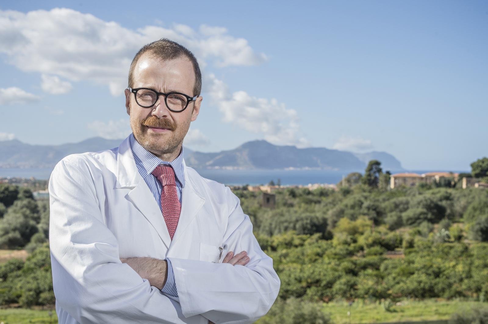 Il professor Cesare Faldini - primario ortopedico dell'Istituto Rizzoli di Bologna