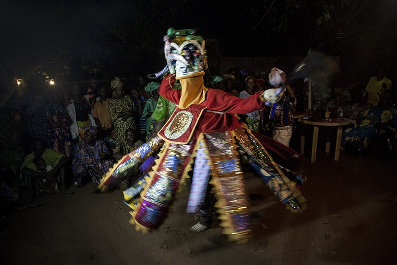 Efe is the most popular and important mask in the Guelede mascarade. He is said to be both human and divine. His songs are often social satire that denounces deviant behaviors of spouses in the household. Ofia, Benin, 2017. ©Laeïla Adjovi