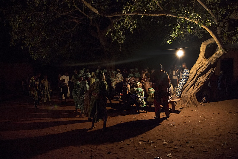 The most sacred part of the Guelede dances occurs at nigth. Ofia, Benin, 2017. ©Laeïla Adjovi