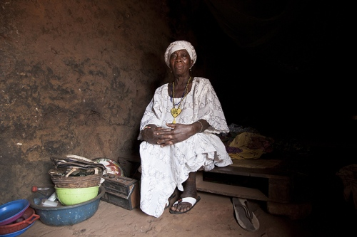 Omolasho Ibitoku is Ofia's women's representative. More than 15 years ago, she was nominated by the king himself to act as 'Iyalode', the highest role for a woman in the hierarchy of Yoruba kingdoms. She praises the fact that women take more part in the organization of Guelede rites.Ofia, Benin, 2017. ©Laeïla Adjovi